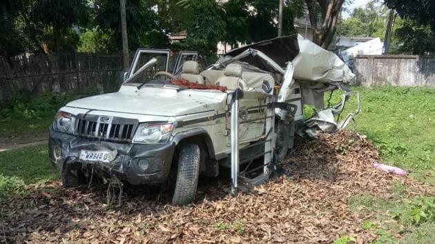 The mangled remains of the SUV that was involved in an accident in Cooch Behar district of West Bengal.(HT PHOTO)