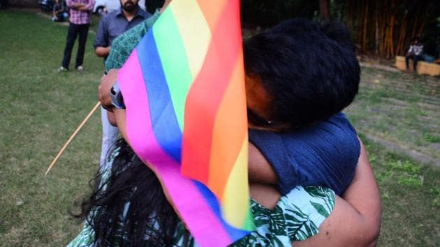 Members of LGBT community celebrate after the Supreme court's verdict which struck which stuck down on the British-era section 377 of the penal code that penalised people for their sexual orientation and ordered that gay sex among consenting adults is not an offence in Pune, India, on Thursday, September 6, 2018.(Shankar Narayan/HT PHOTO)