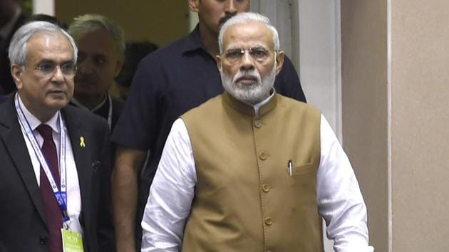 Prime Minister Narendra Modi at the Global Mobility Summit 'MOVE' organized by NITI Aayog, at Vigyan Bhawan in New Delhi, India, on September 7, 2018.(HT Photo)