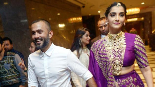 Sonam Kapoor Ahuja was in Delhi on Saturday with her husband, Anand Ahuja.(Viral Bhayani)