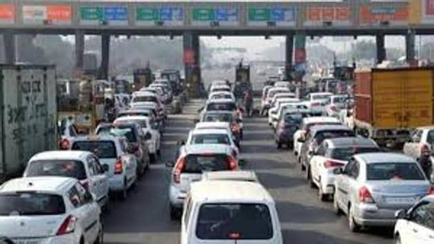 Earlier, the plan was to shift the toll plaza to Sehrawan, 11 km from Kherki Daula. However, the transfer of land could not happen after concerns were raised by environment and wildlife activists.(File Photo)