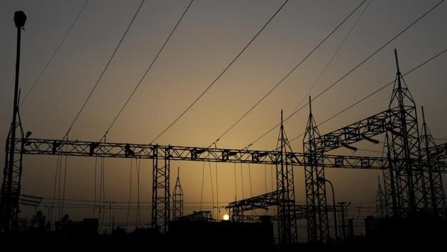 The electricity sector risks acting as a drag on the economy as its poor finances reverberate through the banking sector in the form of non-performing assets.(HT File Photo)