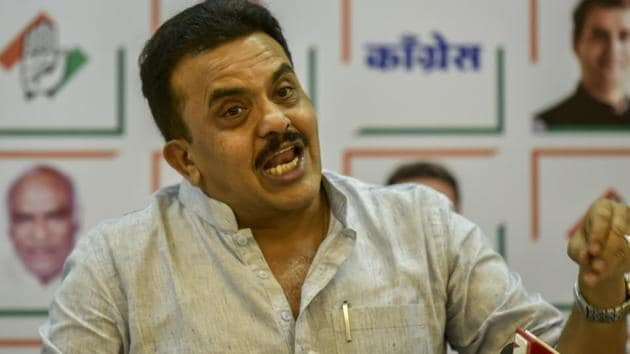 Mumbai Congress president Sanjay Nirupam (pictured) said certain OBC names which are commonly used in north India are not in vogue in Maharashtra although they belong to the same community and are hence entitled to quotas.(HT File Photo)