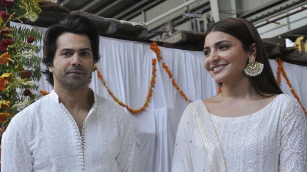 Varun Dhawan and Anushka Sharma in Lucknow.(Deepak Gupta/HT Photo)