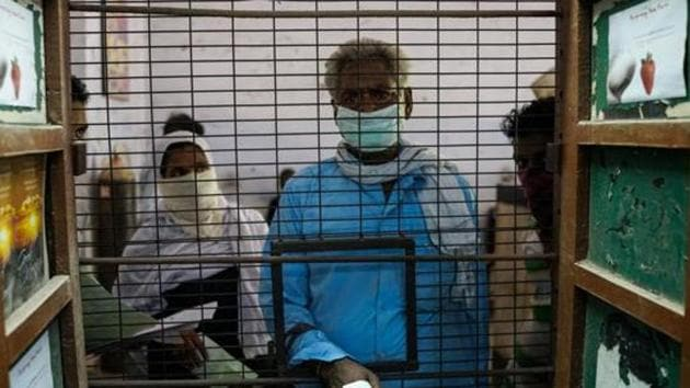 Patients suffering from breathing problems and tuberculosis are admitted for treatment at the Murari Lal Chest Hospital in Kanpur.(AFP File Photo)