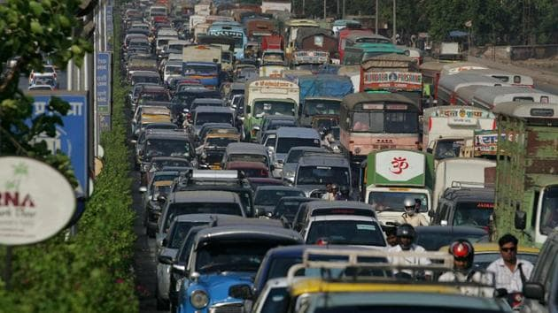 The traffic police have now written to the Brihanmumbai Municipal Corporation (BMC) and Navi Mumbai Municipal Corporation (NMMC) to allow them to make these vehicles wait till the peak hours end in the space earlier used by octroi booths at Mulund and Airoli.(Anand Shinde/HT)