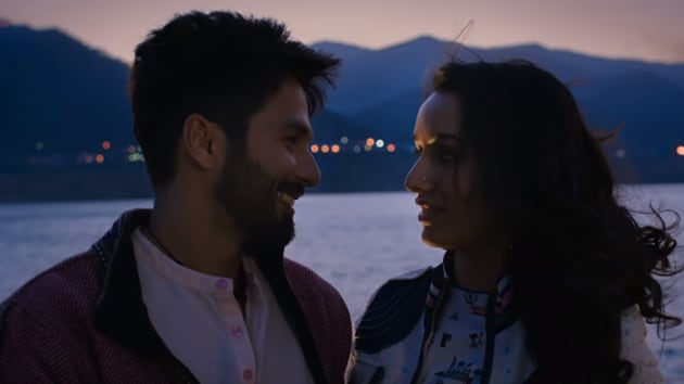 Batti Gul Meter Chalu review: Shahid Kapoor and Shraddha Kapoor's muddled romabce leads to a courtroom drama.