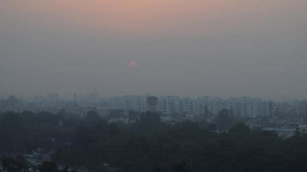 Carbon dioxide emissions are costing the Indian economy up to USD 210 billion every year, according to a global study which found that the country is likely to suffer highest economic damage from climate change after the US.(HT File Photo)