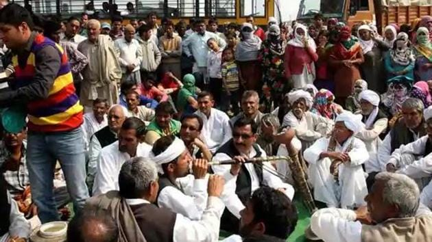 A total of 30 people were killed and scores injured when violence broke out in several parts of Haryana during the 2016 agitation by Jat organisations demanding quota for the community.(HT File)