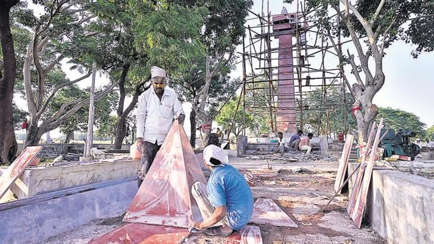 Work on in full swing at the memorial at Killari in Latur ahead of the commemoration of the earthquake's 25th year.(Anshuman Poyrekar/HT Photo)