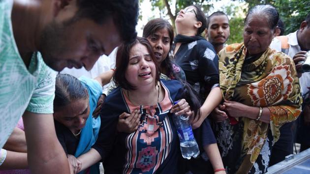 The family members of Apple employee Vivek Tiwari in Lucknow, September 29, 2018(Subhankar Chakraborty/ Hindustan Times)