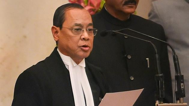 Justice Ranjan Gogoi takes his oath of office after he was appointed as the 46th Chief Justice of India, at Rashtrapati Bhawan in New Delhi, Oct 3, 2018.(PTI)