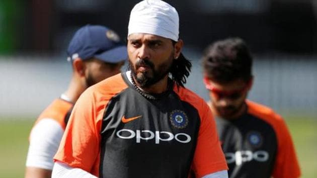 File image of India cricketer Murali Vijay in action during a training session.(Action Images via Reuters)