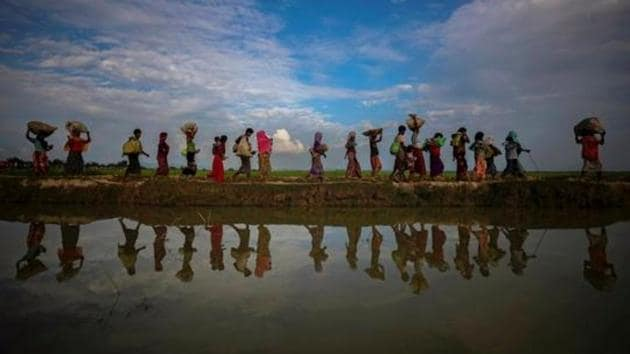 Hundreds of minority Rohingya refugees have been killed in the northern Rakhine province of Myanmar by the military in alleged ethnic cleansing, setting of an exodus with lakhs taking shelter in camps in Bangladesh.(Reuters File Photo)