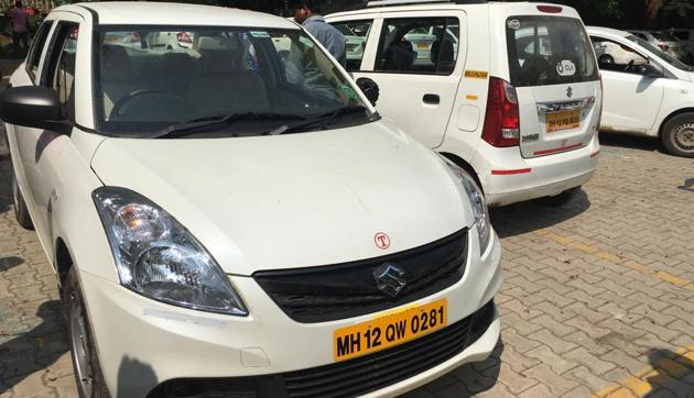 At least seven cars in an Ola yard next to Naidu hospital near the Pune railway station were vandalised on Wednesday.(HT PHOTO)