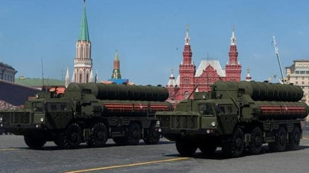 Russian servicemen drive S-400 missile air defence systems during the Victory Day parade at Red Square in Moscow, in May 2018.(Reuters File Photo)