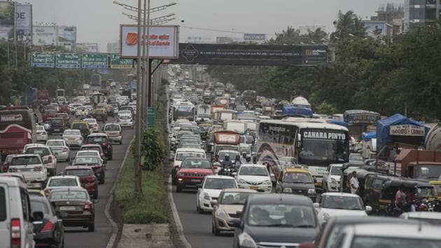According to date released by the Central Ministry of Road Transport and Highways, Mumbai was ranked eight in number of deaths owing to road accidents, with Delhi reporting the highest number of fatalities.(Satyabrata Tripathy/HT File)
