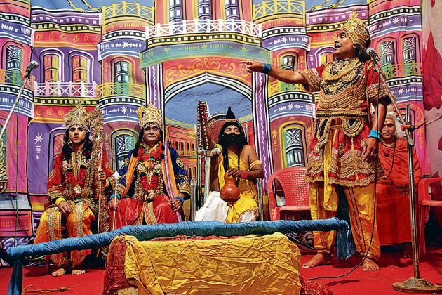 Artistes perform Ramlila at Wagale estate in Thane.(Praful Gangurde)