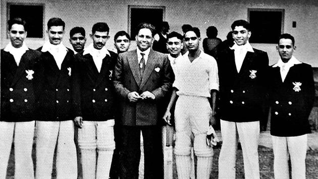 Joginder Singh Rao (extreme left) with the first cricket captain of independent India, Lala Amarnath (centre).(Pic: Nandita Rao)