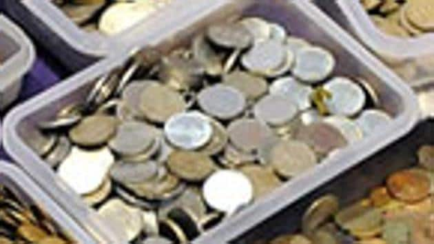 Since October 4, the Central Bank of India has refused to accept coin deposits from the PMPML citing lack of space. This public sector bank holds the account of the PMPML.(HT PHOTO)