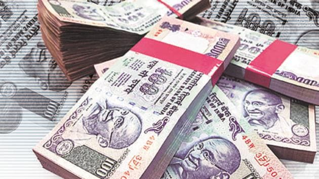 """Sangita Yadav, police inspector, said,""""The victim has paid Rs 3.28 lakh through 15 different transactions in six different bank accounts.""""(BLOOMBERG NEWS/ Representative photo)"""