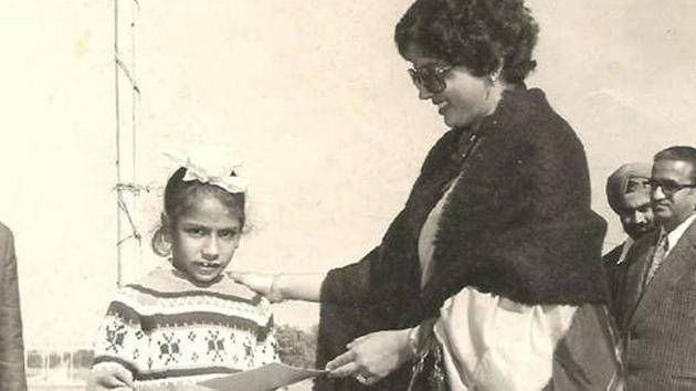 Jeev Milkha Singh receives a prize in an atheletics championship.(Milkha Singh family archives)