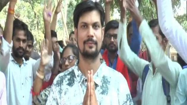 Sudeep Shukla (36) feels that major political parties did nothing substantial to improve the lives of the deprived sections.(ANI/Twitter)