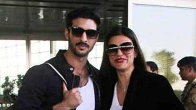 Sushmita Sen was seen with a friend at the airport.(Viral Bhayani)