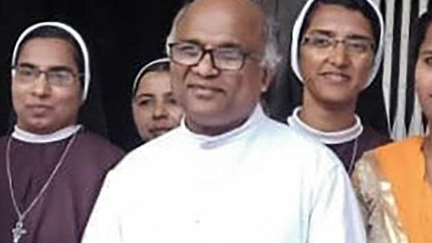 Father Kuriakose Kattuthara (Centre), who was found dead, in Jalandhar's Dasuya. Father Kattuthara was a witness in the case against Bishop Franco Mulakkal.(PTI File Photo)