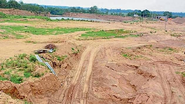 There has been a spurt in illegal mining cases in the district ever since the monsoon ban on mining has been lifted.(HT File)