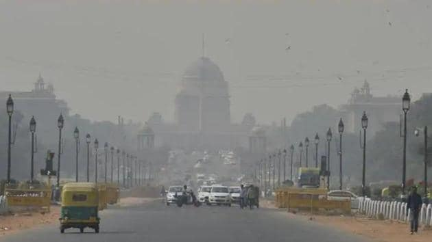 An estimated 91% of the world's population is exposed to air pollution, which is the world's biggest environmental health risk, causing 4.2 million deaths from poor outdoor air and 3.8 million from household exposure from dirty cookstoves each year.(Sanjeev Verma/HT PHOTO)
