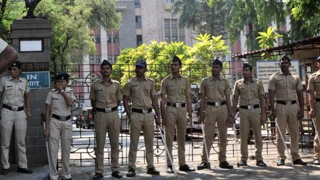 In view of sensitive military establishments located in Pune, the Pune police are taking necessary steps on the use of drones in the city.(HT representational photo)