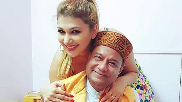 Ater confirming their relationship status to Salman Khan on Bigg Boss 12, Anup Jalota has now said he is not dating Jasleen Matharu.