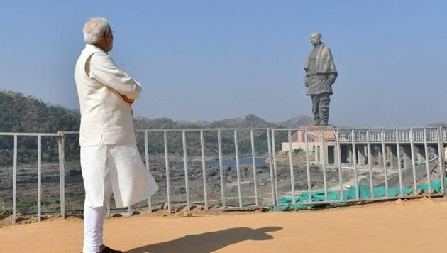 Prime Minister Narendra Modi looking at the Statue of Unity of Sardar Patel in Gujarat's Kevadiya on October 31.(Twitter/PMO India)