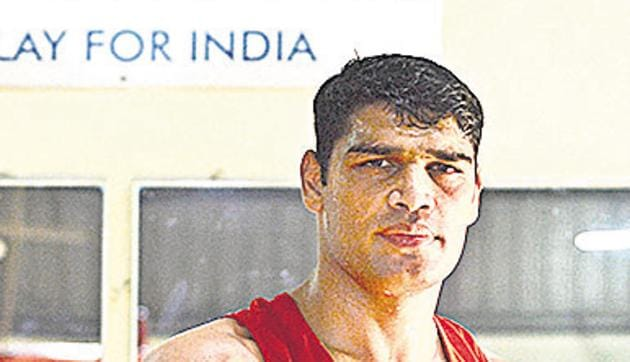 Sathish Kumar during the practice session of National level boxing championship in Pune on Tuesday.(SHANKAR NARAYAN/ HT PHOTO)