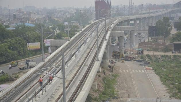 Authority officials Thursday said they had received written communication from the DMRC intimating them of the reduced completion cost(HT File Photo)