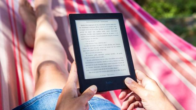 This Diwali, if you are gifting a book lover, then nothing beats an e-reader.(Unsplash)