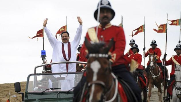 Lawmaker Ranga Bandara has told Sri Lanka's house speaker that he was offered money to help prop up the new government led by Mahinda Rajapaksa (pictured), according to a tweet from former junior economic affairs minister and MP Harsha de Silva.(AFP)