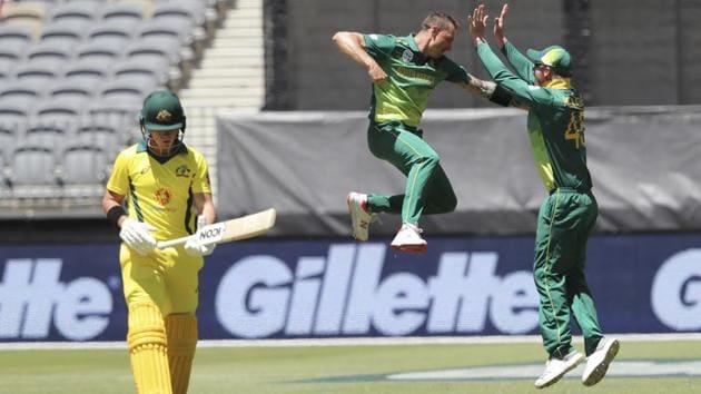 Dale Steyn celebrates after dismissing Australia's D'Arcy Short.(AP)