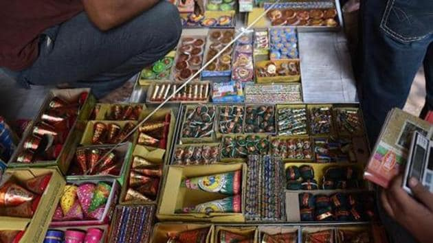 Most firecracker sellers are offering two options: home delivery, with half the cost being paid upfront; or an over-the-counter sale of firecrackers not costing more than Rs 500.(AFP File Photo)