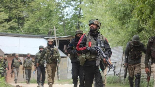 Two militants, including a deserter from the Indian Army, was killed in a gun battle with security forces in south Kashmir's Shopian district, police said.(HT File Photo)