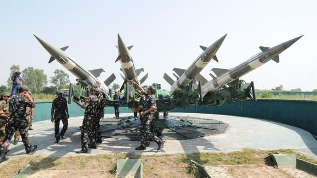 """Adviser to the Pakistan National Command Authority Lt Gen (retd) Khalid Kidwai said his country would not follow India in developing a defence system against ballistic missiles, but would """"continue to seek to redress imbalances caused by India's moves"""".(HT/Picture for representation)"""