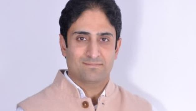 Junaid Azim Mattu, 34, a former financial analyst who returned from the US barely a decade ago to join politics, was the NC's spokesperson and considered a confidante of former chief minister Omar Abdullah, but left the party in September after it decided not to contest local body elections.(Junaid Azim Mattu/Twitter Photo)