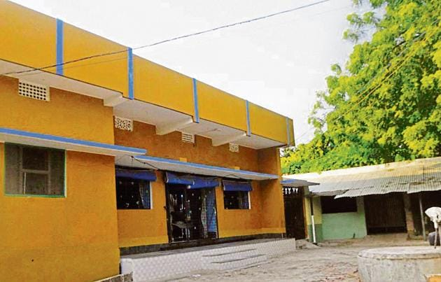 The residence of Imran Alam, a resident of Mirzapur-Bardah village in Bihar's Munger, whose arrest in August helped police bust a racket smuggling AK-47 rifles through a nexus between Jabalpur Central Ordnance Depot (COD) staff and local arms smugglers.(Parwaz Khan /HT PHOTO)
