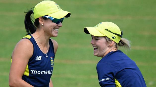 Dane Van Niekerk, Marizanne Kapp becomes 1st couple to bat together in an ICC t...