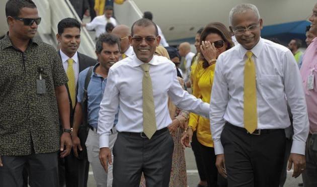 Maldives' former president Mohamed Nasheed and President-elect Ibrahim Mohamed Solih (right)(AP)