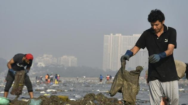 Afroz Shah, the man behind the clean-up of Mumbai's Versova beach, is now looking for other locations in the city that need to be cleaned.(HT File Photo)
