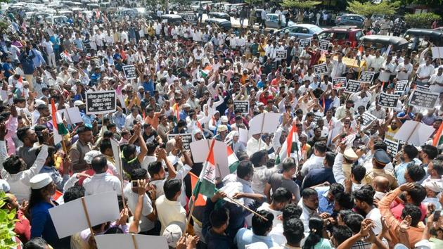 Drivers plan protest rally to Mantralaya on Nov 19; officials of firms to meet union today for further discussion(HT File Photo)