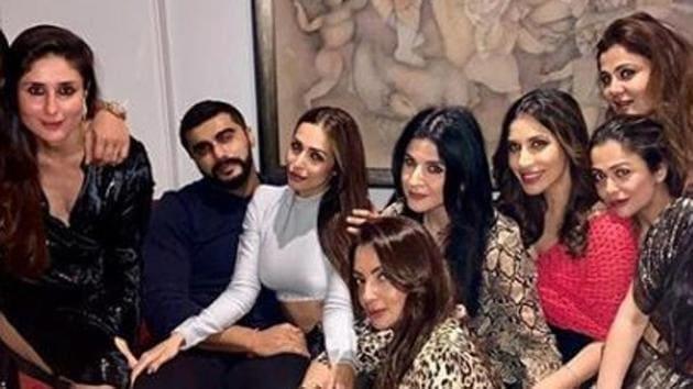 Malaika Arora and Arjun Kapoor at Maheep Kapoor's party.(Instagram)