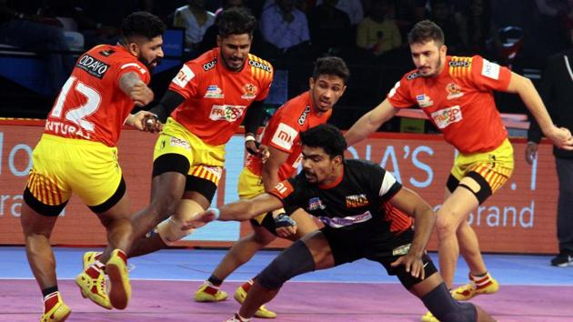 Gujarat are second in Zone A, while Bengaluru Bulls are now top in Zone A.(Pro Kabaddi)